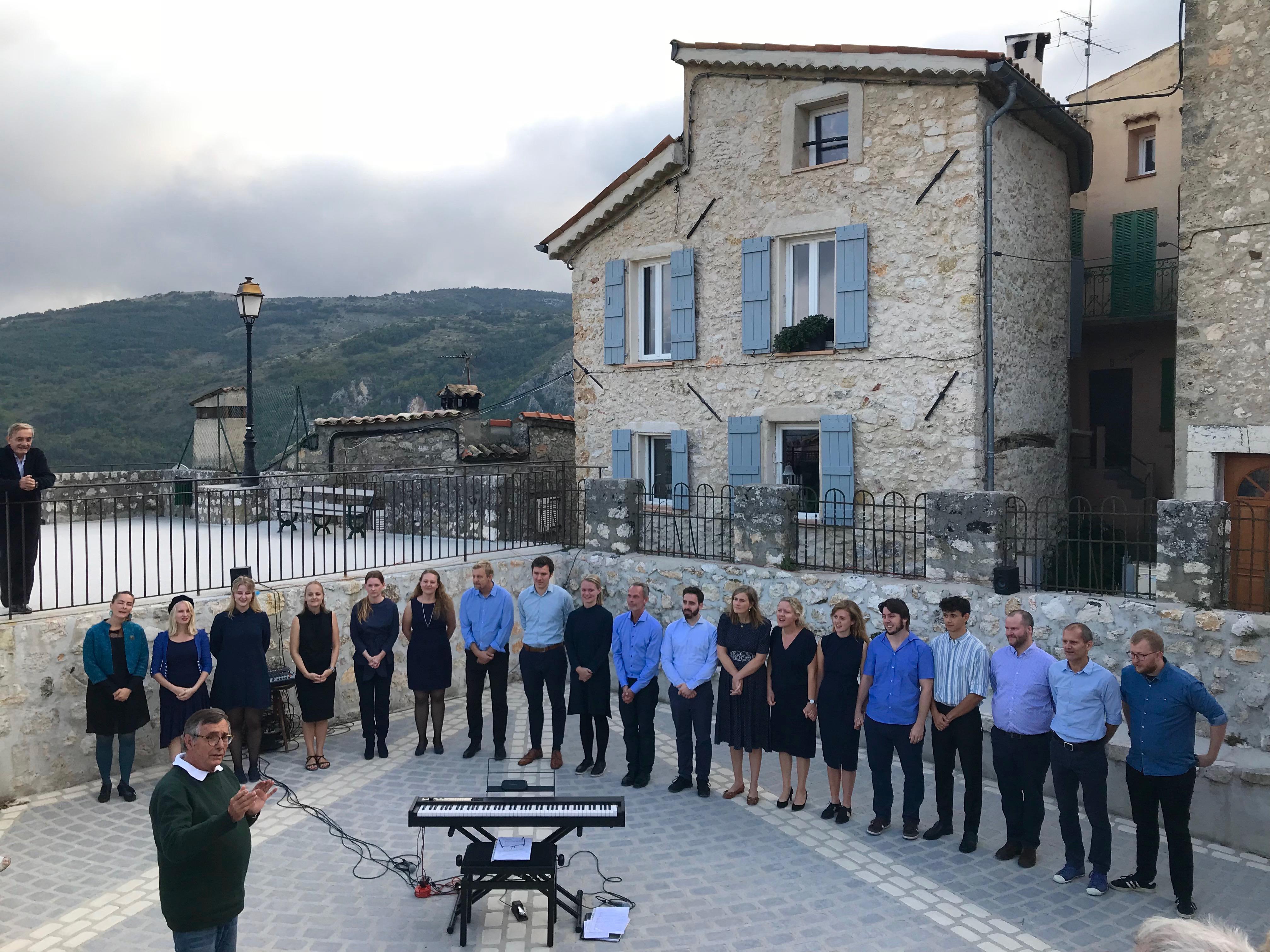 ReChoired kor til koncert i Frankrig